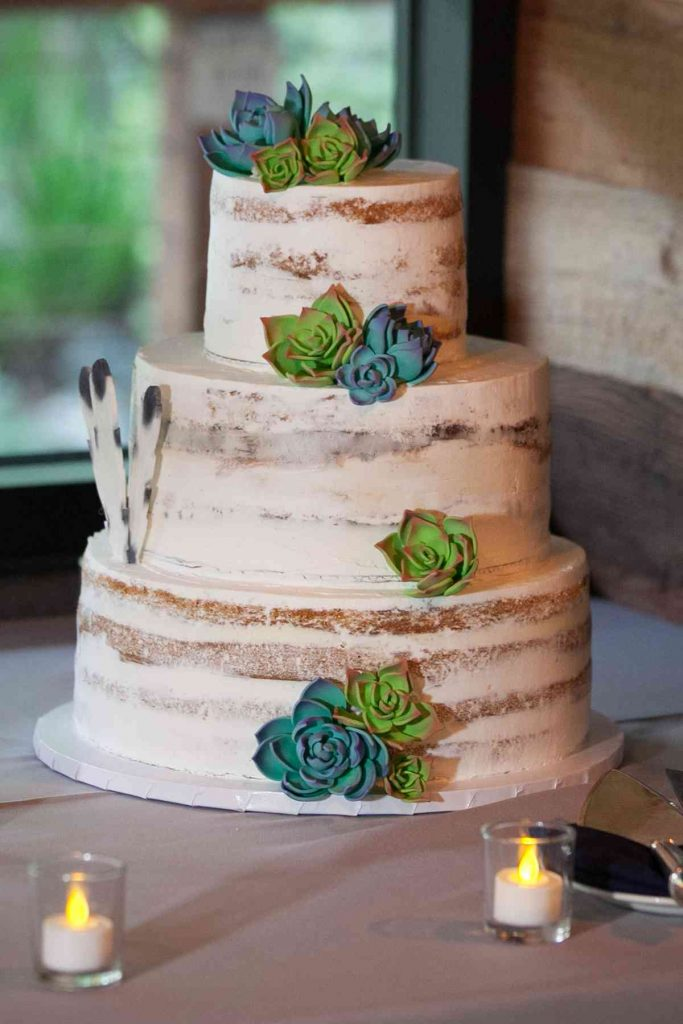 Half-naked Unusual Wedding Cake